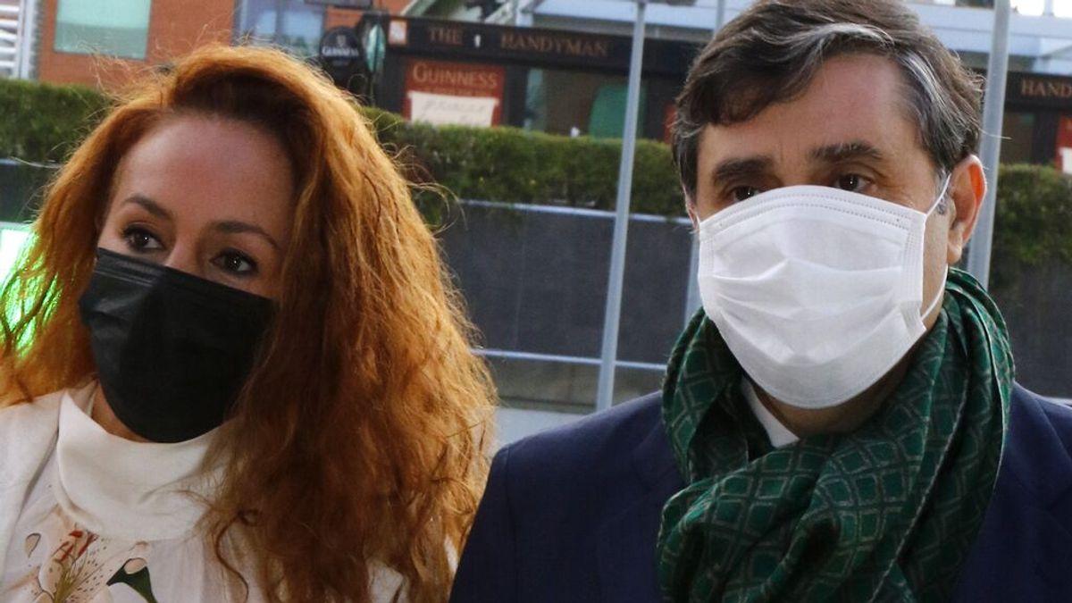 Rocío Carrasco, con su abogado Javier Vasallo (2021)