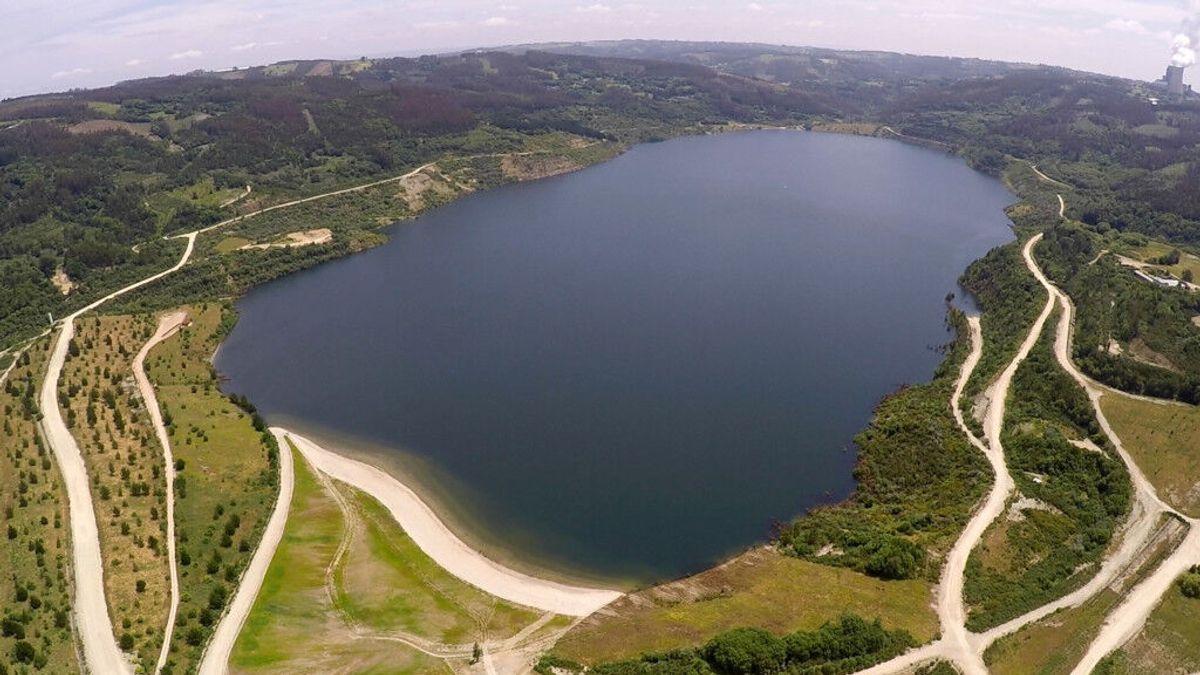 Meirama, de mina de carbón a espacio natural con lago y playa