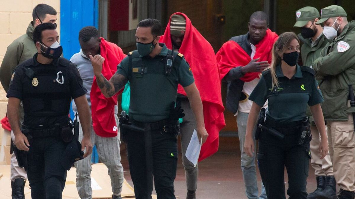 Marruecos acepta el retorno de todos los adultos que han entrado irregularmente a Ceuta por El Tarajal