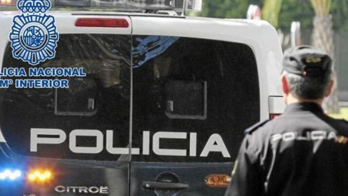 Una madre y su pareja sentimental son detenidos por abusar de su hija en Málaga