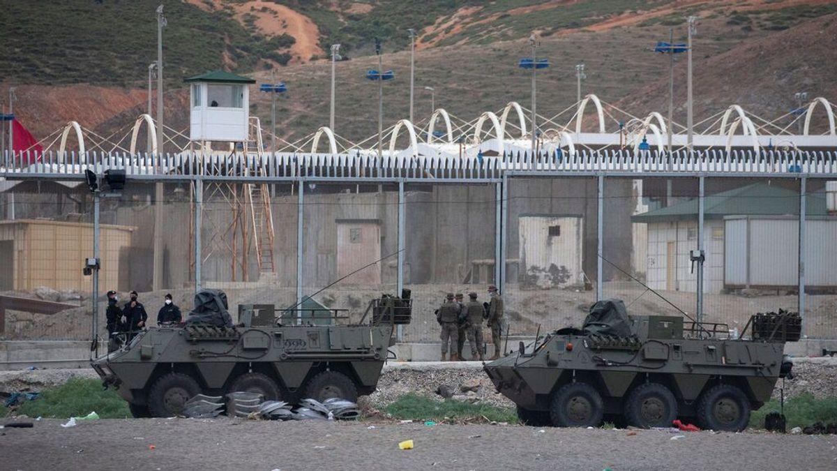 España despliega al  Ejército en  Melilla para hacer frente a la presión migratoria