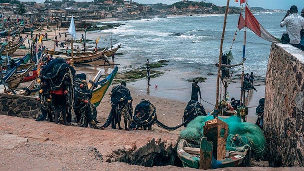 Cinco tripulantes de un pesquero secuestrados en las costas de Ghana por piratas