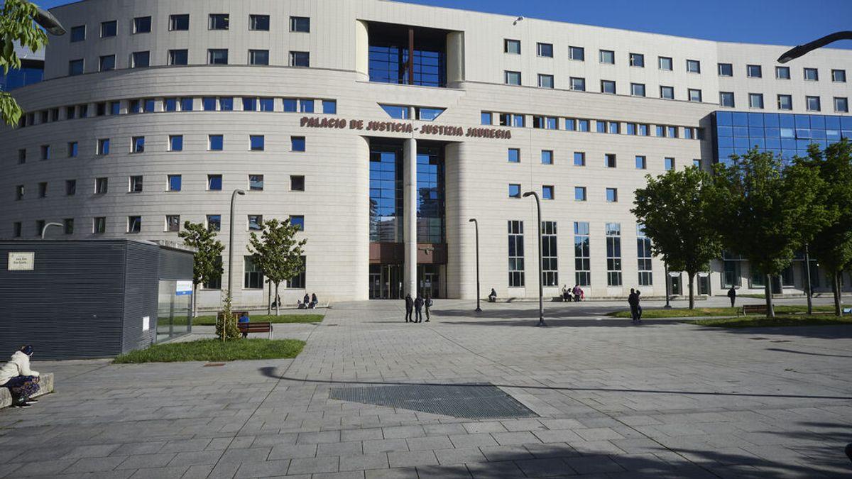 borrador. Condenan a  un hombre a casi tres años de cárcel por retener a su hija y no devolverla a la madre