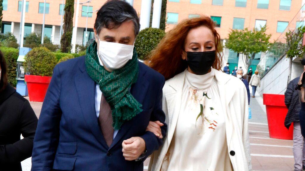 Rocío Carrasco, junto a Javier Vasallo, sale del juicio por la demanda civil interpuesta por Antonio David Flores