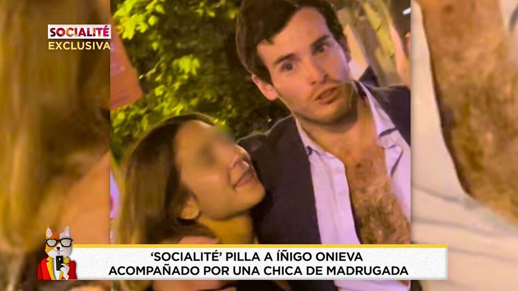 Pillamos a Íñigo Onieva descamisado y con otra mujer Socialité 2021 Programa 455