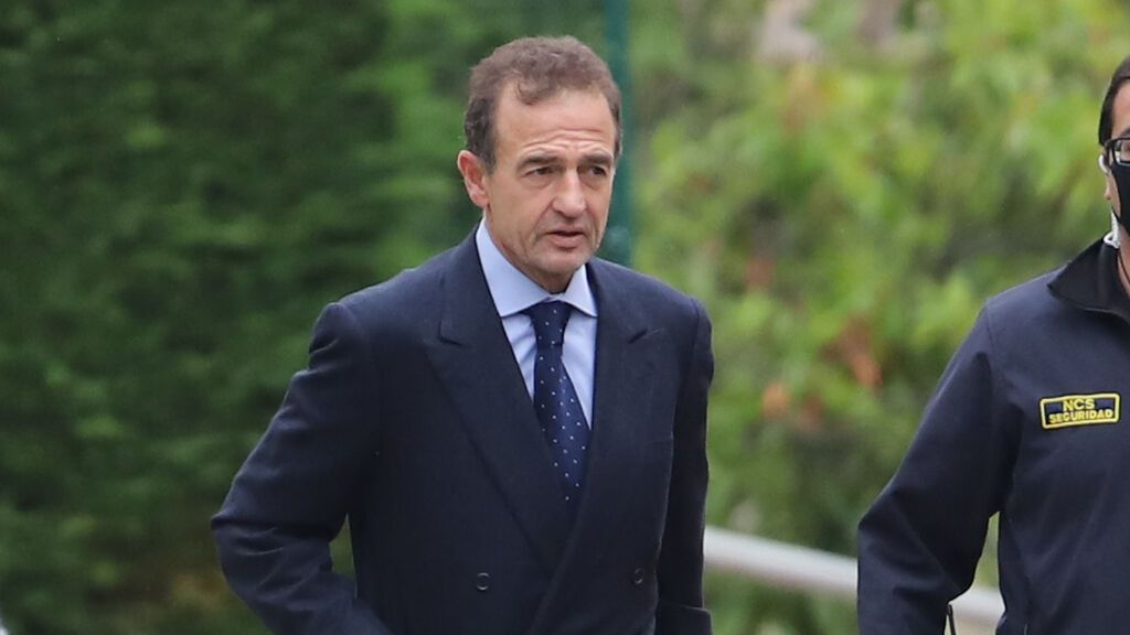 Alessandro Lequio, el mayor apoyo de Ana Obregón en el último adiós a su madre