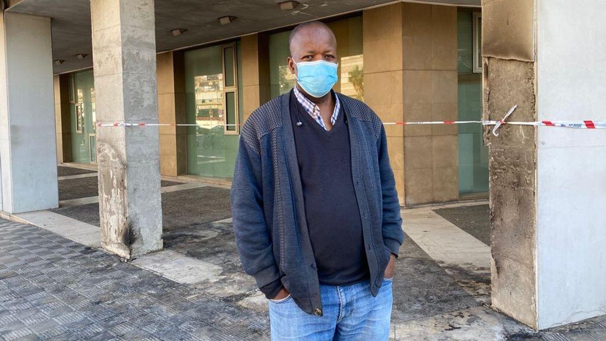 """Oleada de solidaridad con Jimy, el senegalés al que quemaron su kiosco: """"No sabía que la gente me quería tanto"""""""