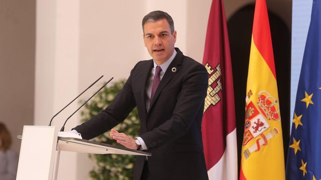 Sánchez asume todo el peso de la comunicación del Gobierno para frenar el declive en los sondeos