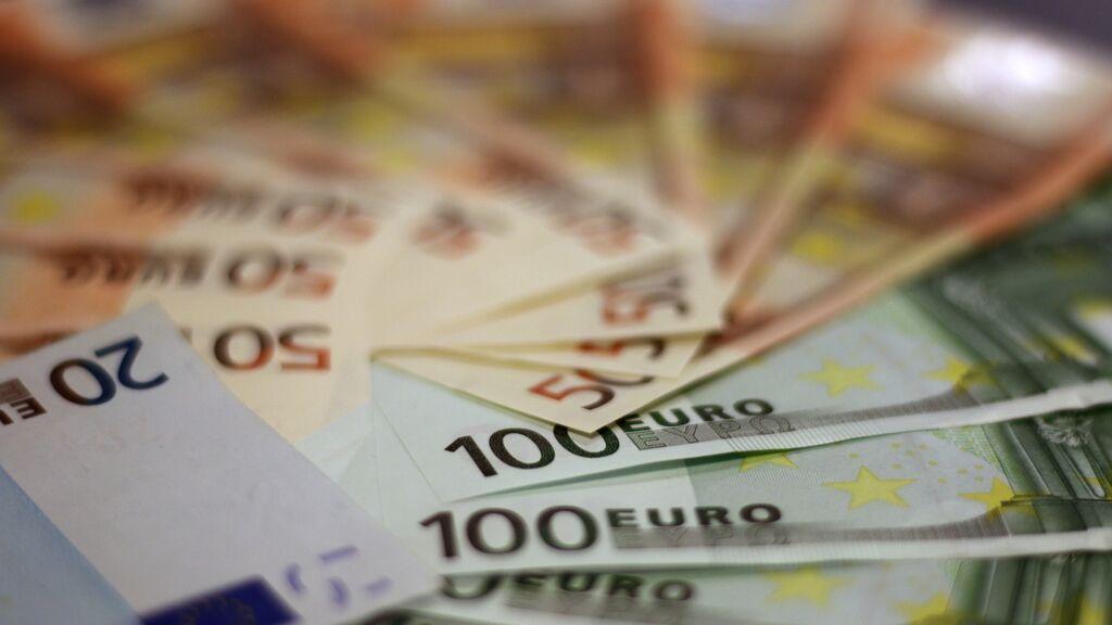 ¿A partir de qué cantidad hay que avisar a Hacienda al sacar e ingresar dinero?