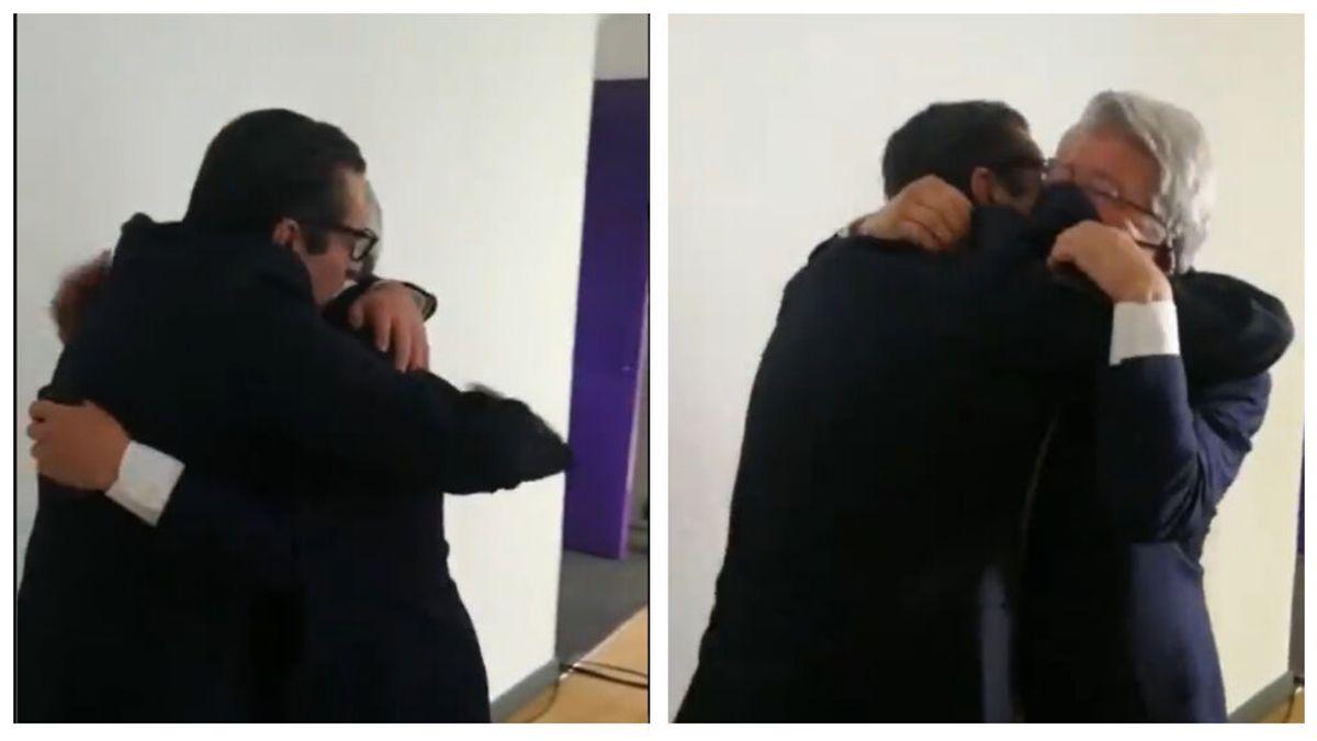 """Las lágrimas de Enrique Cerezo tras ganar la Liga y el abrazo de Futre: """"Ya está presidente"""""""