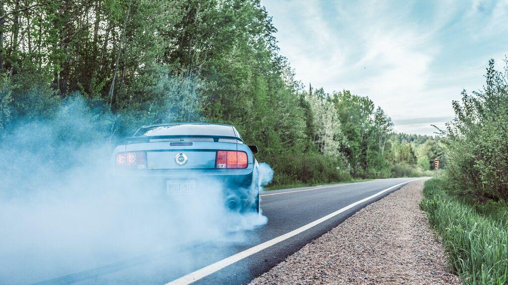 Qué hacer si sufres un reventón de un neumático