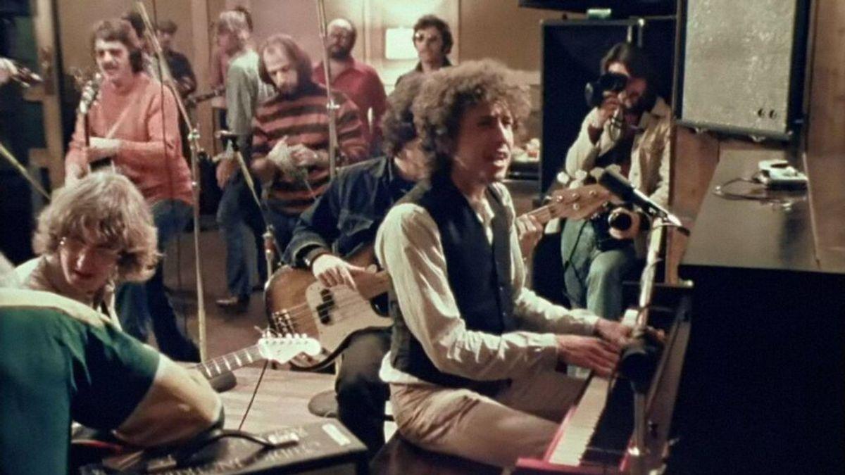 Su amigo de la infancia, su hijo músico o Patti Smith: el entorno con el que Bob Dylan celebra su 80 cumpleaños