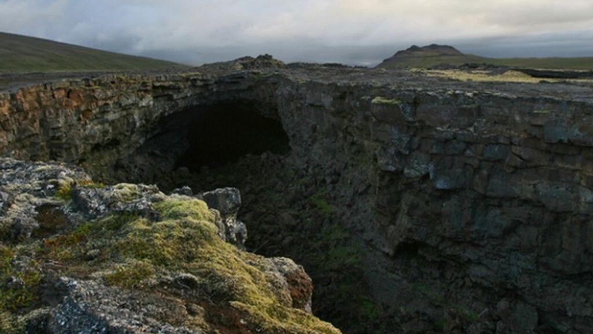 El barco de piedra vikingo de una cueva de lava islandesa destinado a salvar el mundo