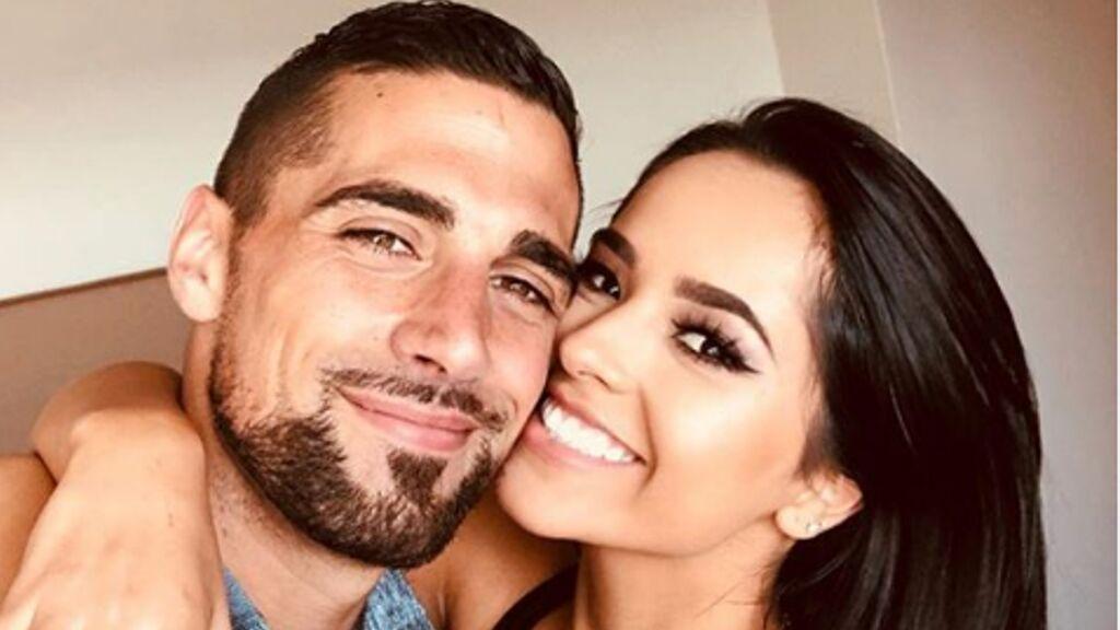 Rumores de boda entre Sebastián Lleget y Becky G. ¿Quién es este futbolista que ha conquistado el corazón de la cantante?