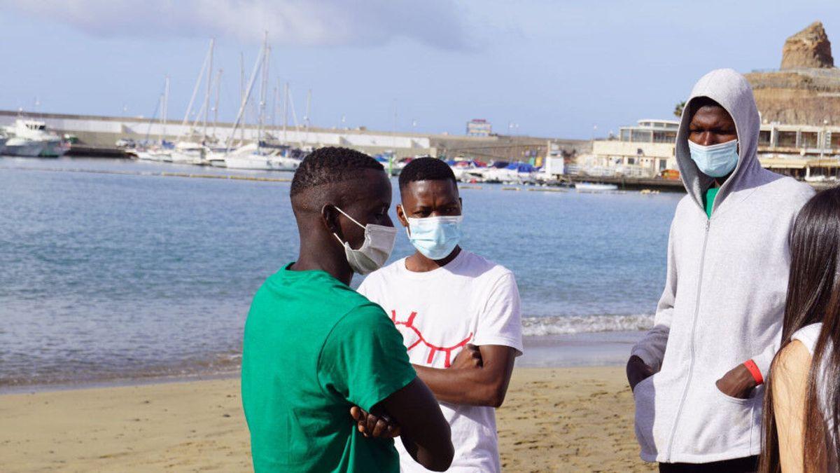 'Puerto Calma', el documental que cuenta las historias que hay detrás de los menas