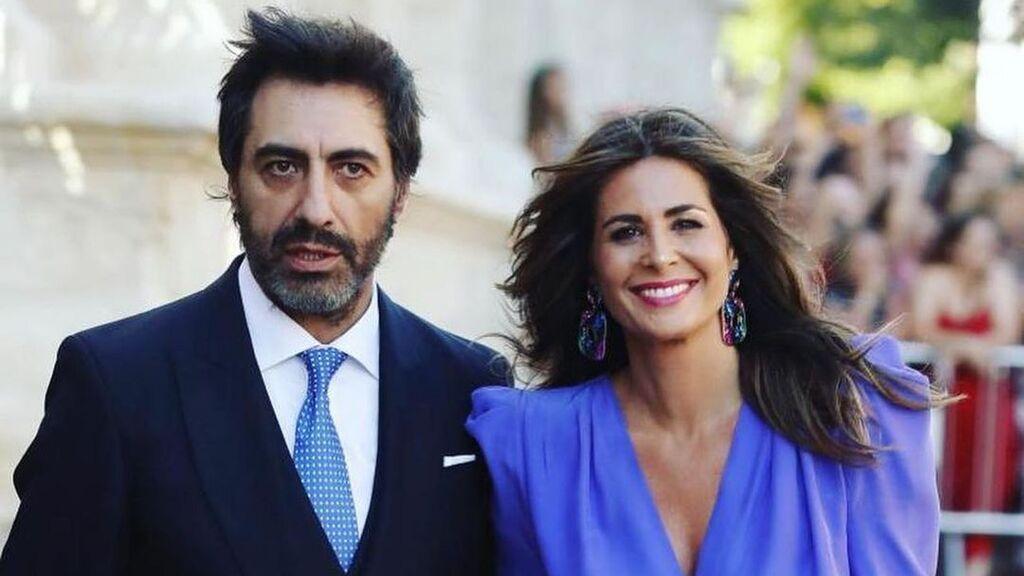 """Nuria Roca enseña unas fotos nunca vistas de 'jovenzuelos' con su marido: """"Como se entere Juan me mata"""""""