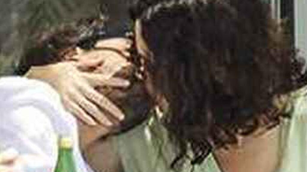 Isabel Díaz Ayuso, pillada besándose con su nuevo novio