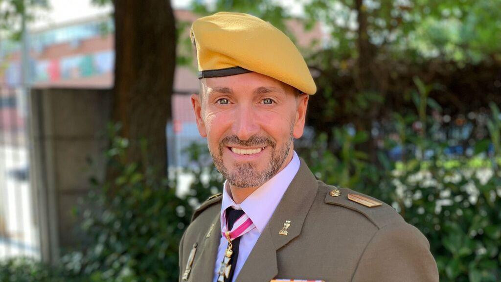 """Pedro J. García, militar y MR. Gay Pride Castilla La Mancha: """"En el ejército todavía es un estigma ser homosexual"""""""