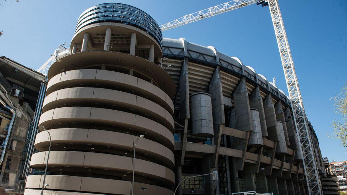 Extinguen un incendio en las obras del Santiago Bernabéu