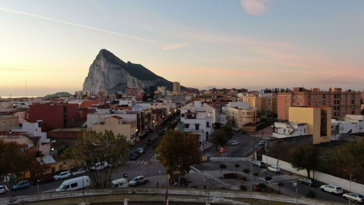Nacer y morir en La Línea: la ciudad tiene la menor esperanza de vida de España, pero es la cuarta en media de hijos por mujer