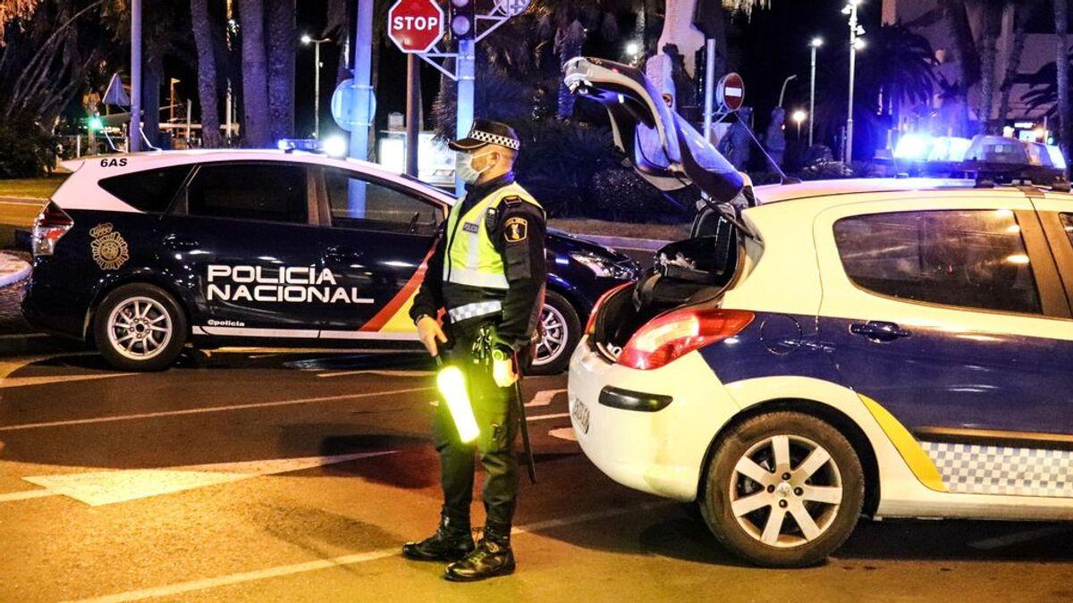 La Policía de Alicante tiene que solicitar refuerzos para desalojar una fiesta ilegal ante las agresiones de los asistentes