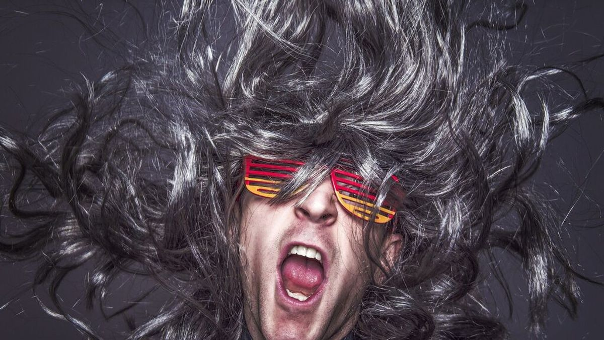 Exfoliación capilar: Cómo retrasar la calvicie y fortalecer el cuero cabelludo