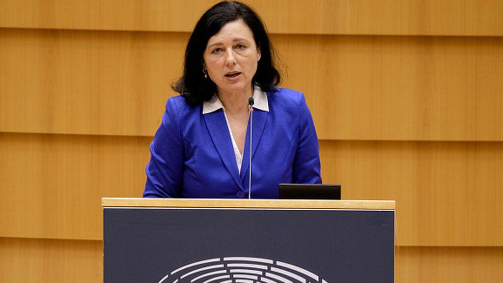 Bruselas contra la difusión de bulos