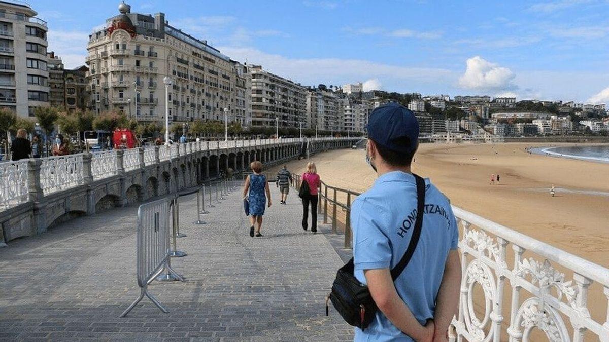 La playa de La Concha de San Sebastián continuará con límite de aforo este verano