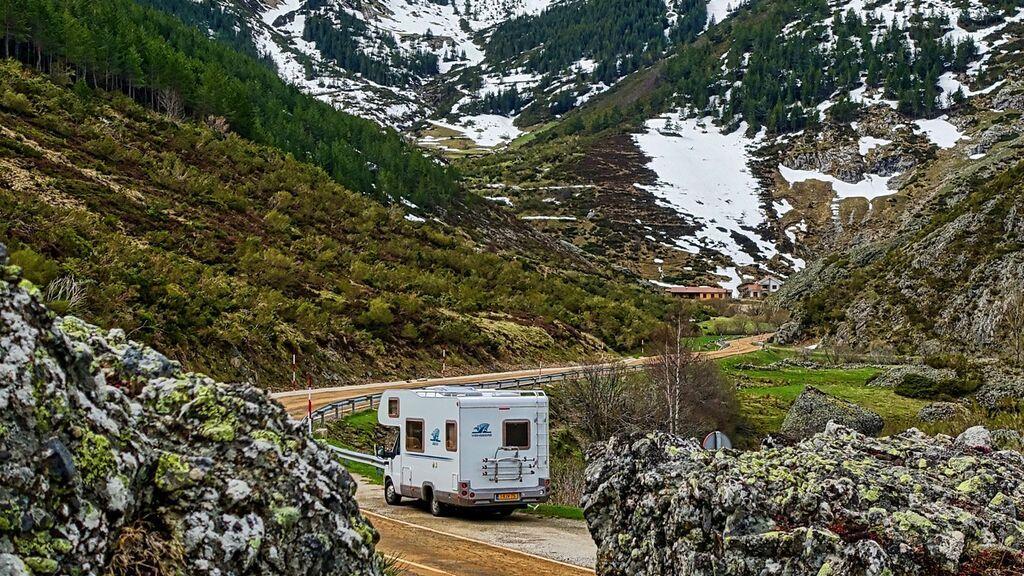 camper-1206524_1920