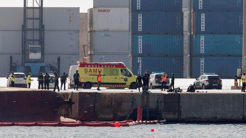 Buscan sin descanso a los dos desaparecidos en el puerto de Castellón