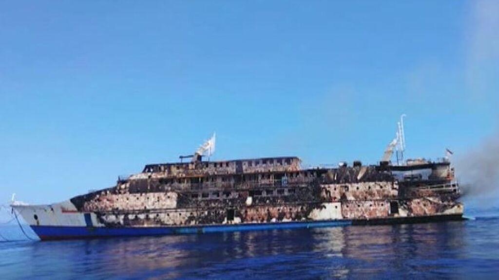 El incendio de un ferry obliga a rescatar a todo su pasaje: 274 personas han sido evacuadas