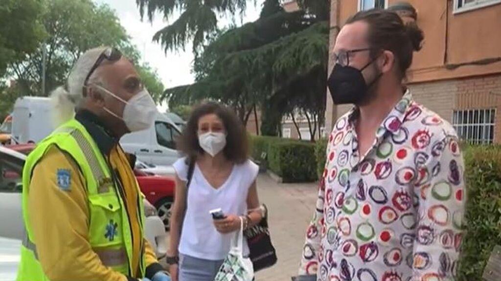Salva la vida a un hombre tras sufrir el atropello de un autobús en Madrid: le hizo un torniquete de emergencia