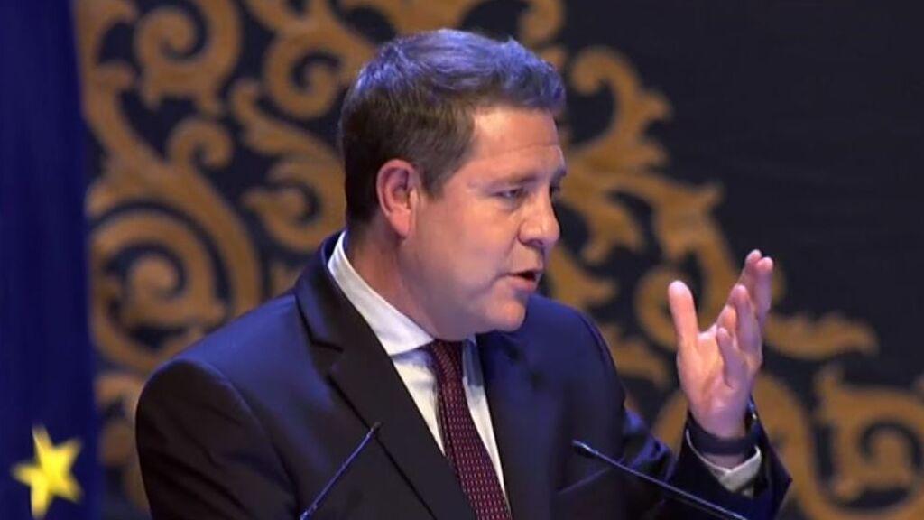 García-Page cree que se podrá levantar la obligación del uso de la mascarilla en julio