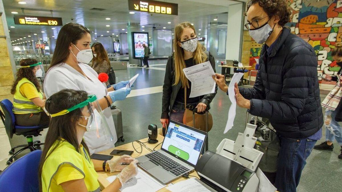 Las personas vacunadas que viajen a Canarias desde otro punto de España podrán entrar sin hacerse una PCR