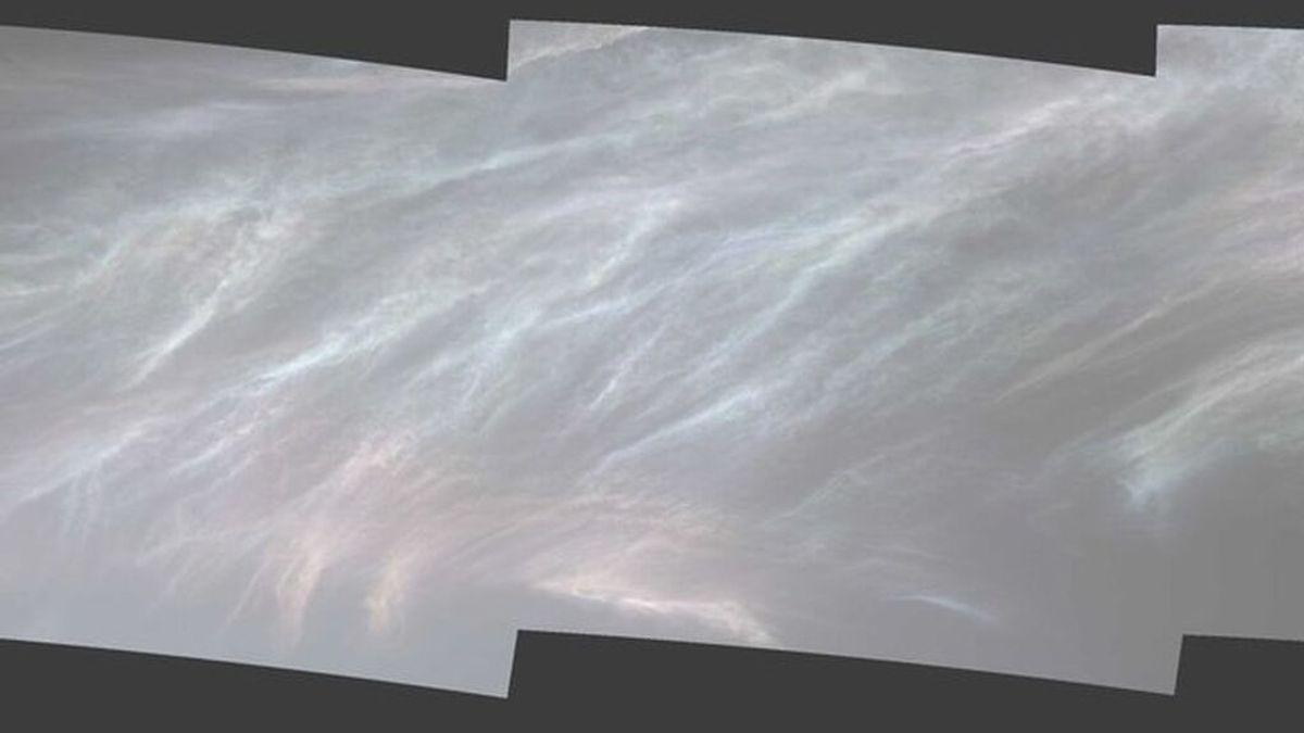 El cielo marciano se cubre de nubes brillantes: la NASA investiga qué hay detrás de estas imágenes