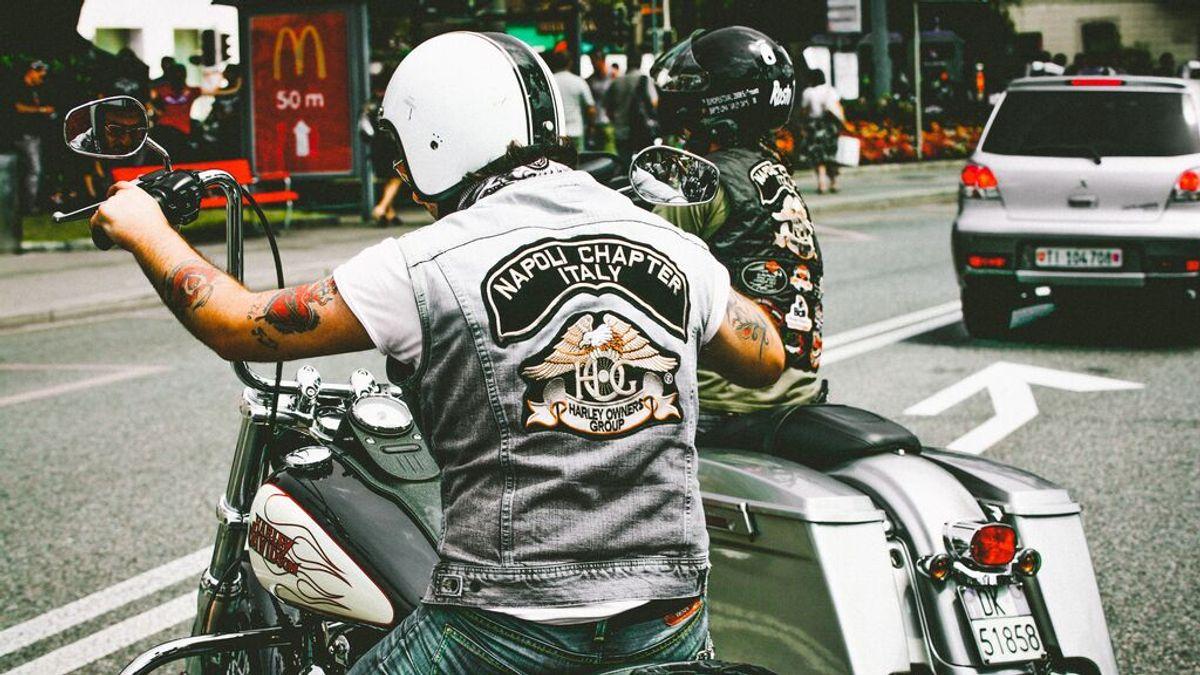 Compartir tu pasión por las dos ruedas con tu nieto: ¿a partir de qué edad puede ir contigo en la moto?