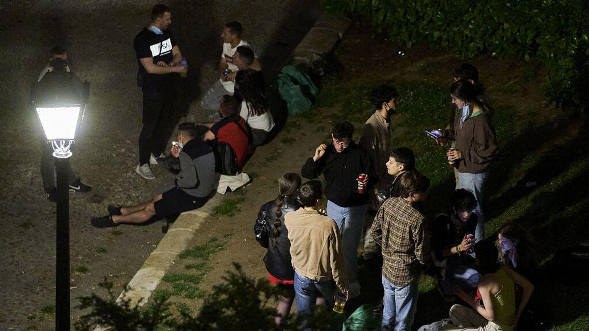 Récord de multas por botellón en Madrid: la Policía Municipal impone 1.069 sanciones este fin de semana
