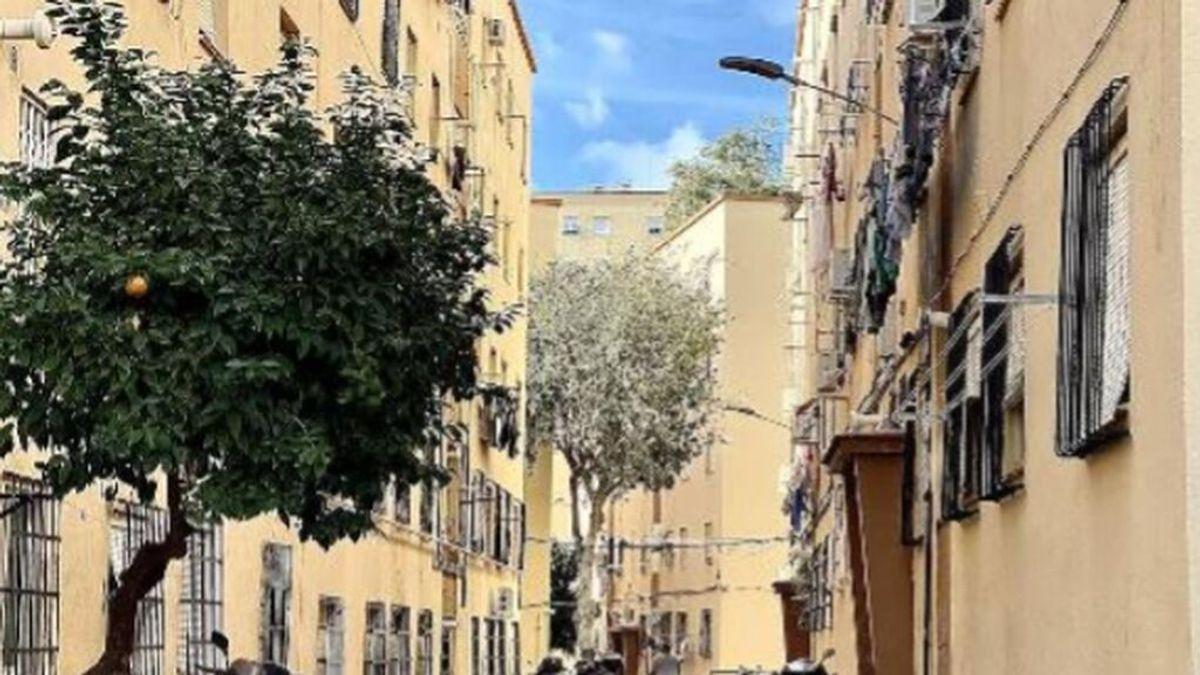Detenida por apuñalar a una menor por meterse con su hijo en las redes en Las Flores, en Málaga
