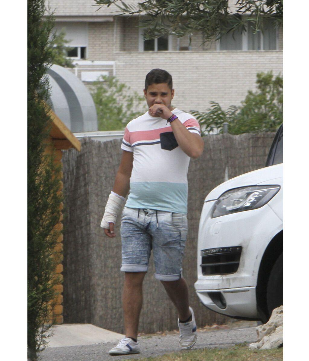 José Fernando saliendo en un permiso de la clínica en la que está interno