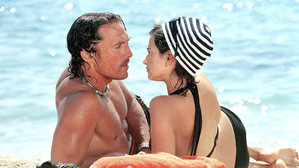 Con Matthew McConaughey coincidió en el rodaje de Sahara.