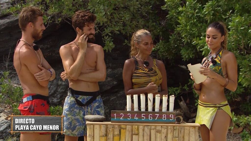 Tom consigue comida y Sylvia una laboriosa misión