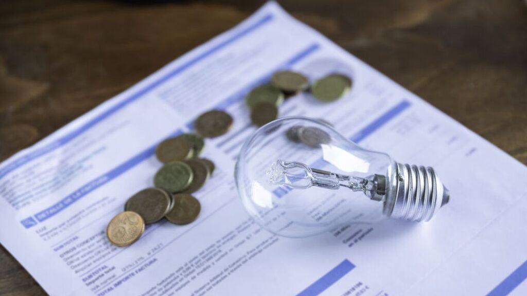 La nueva tarifa de la luz: dos horarios de potencia (peajes y cargos), y tres de consumo