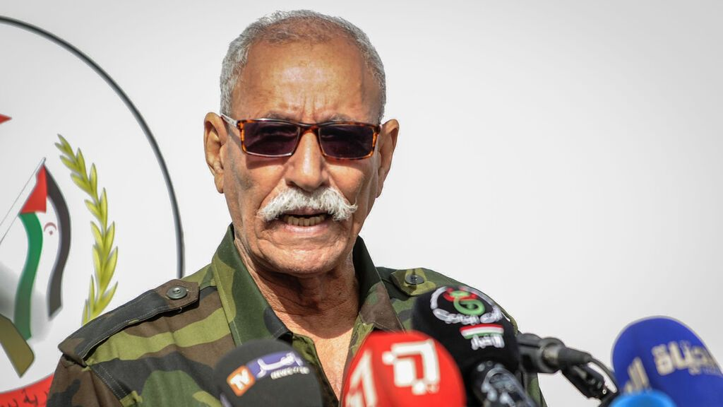 El líder del Polisario, Brahim Gali, recibe el alta en el hospital de Logroño y se dispone a abandonar España en avión