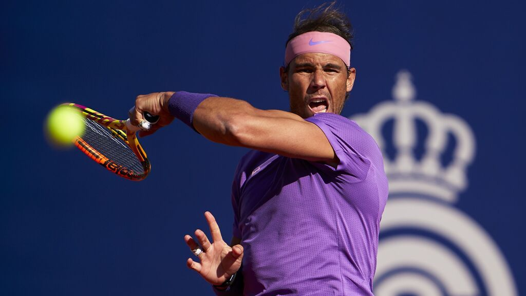 Rafa Nadal da la bienvenida a Carla Suárez por su vuelta a Roland Garros