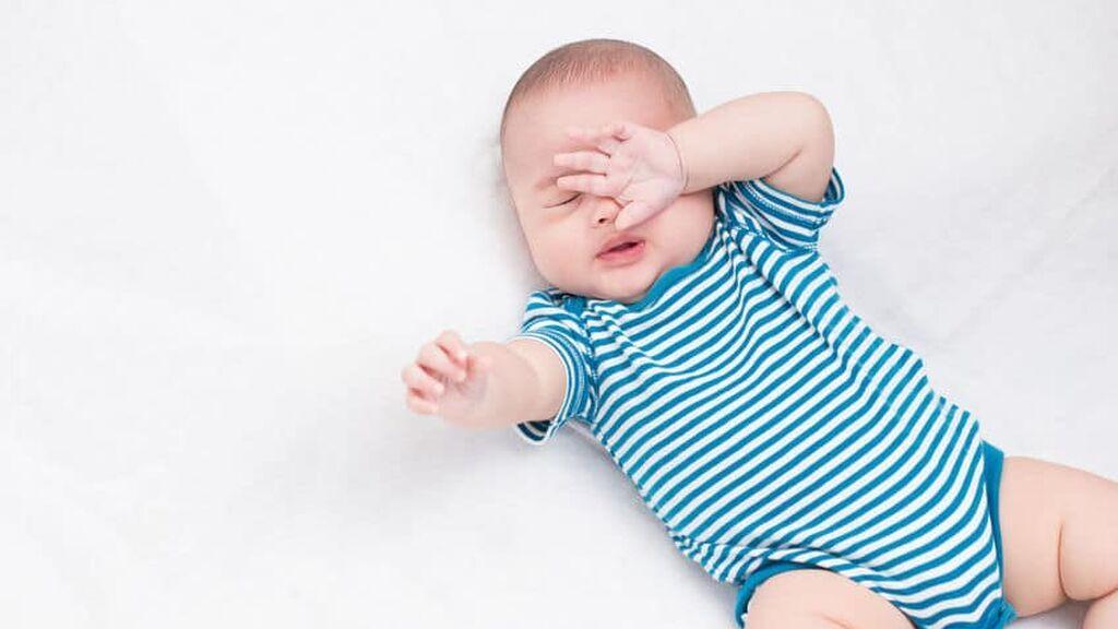 ¿Qué es el reflejo de moro o sobresalto en bebés? Estas son las razones por las que aparece.