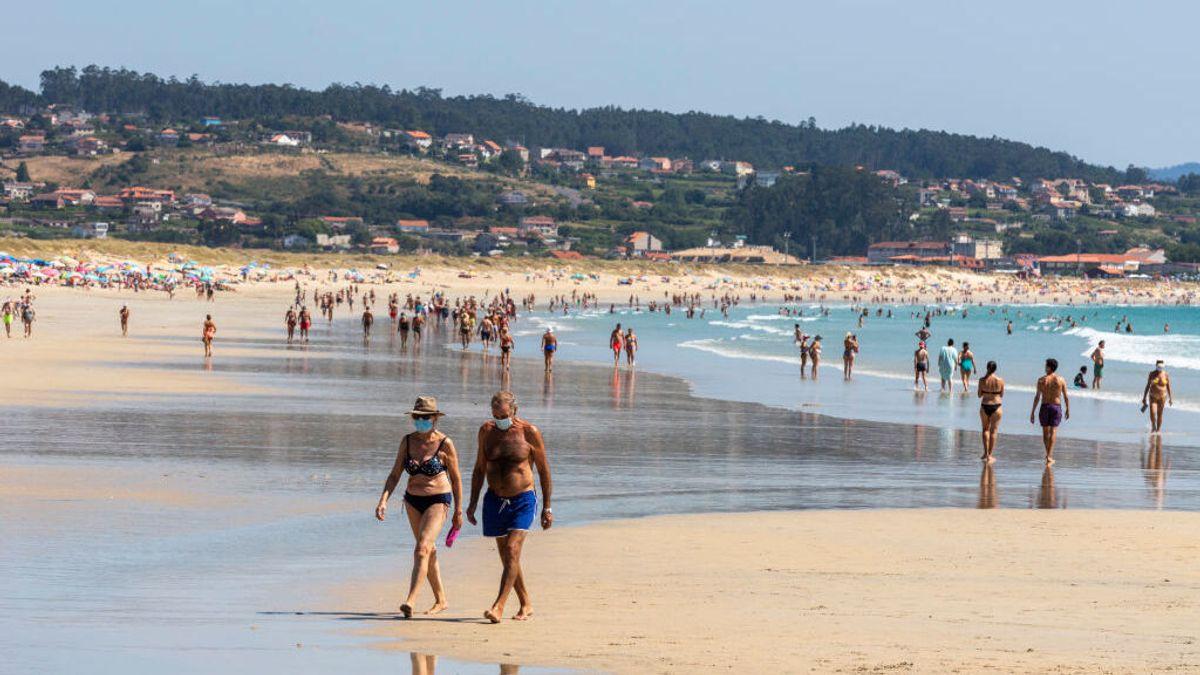 Mascarillas en las playas y piscinas: ¿Cuándo es obligatorio llevarlas?