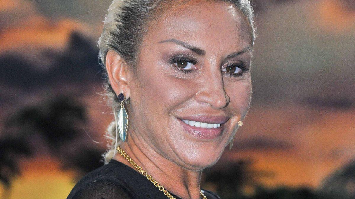 Con vigilancia exterior y decoración personal: el chalet que Raquel Mosquera vende por 500.000 euros
