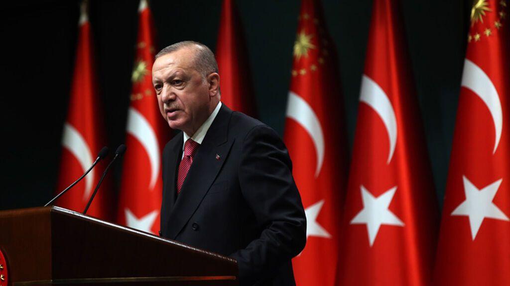 Erdogan dice que Turquía podría atacar un campo de refugiados en Irak