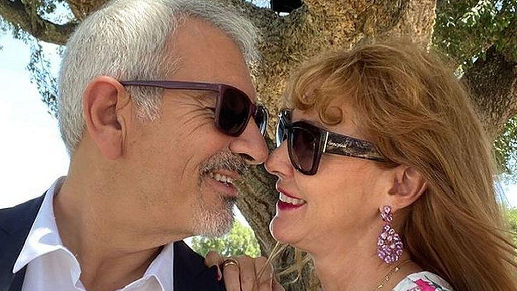 """Carlos Sobera grita su amor a los cuatro vientos: """"Sonreírse, entenderse, gustarse"""""""