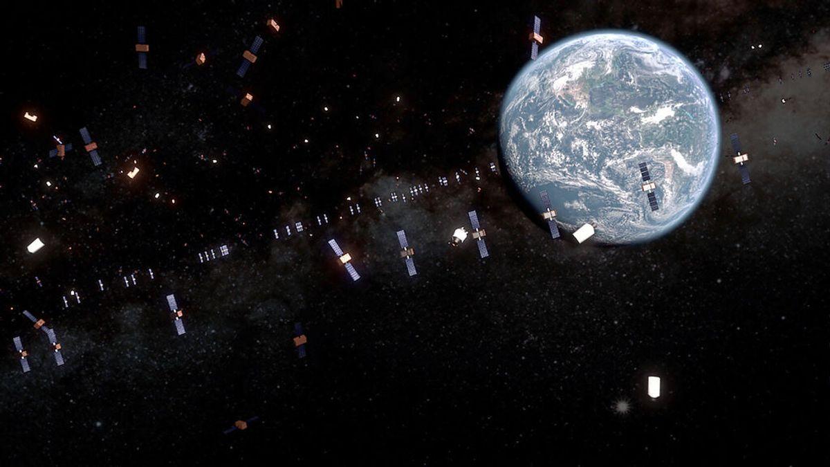 ¿Qué tipos de basura espacial se encuentran en el espacio?